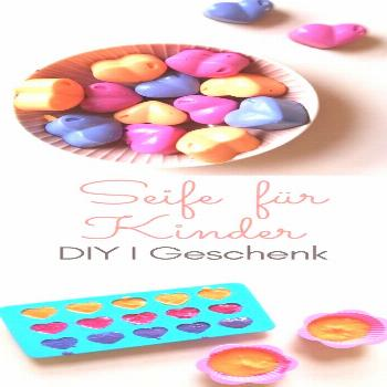 Make soap for children yourself - DIY with food colors and coconut oil#children
